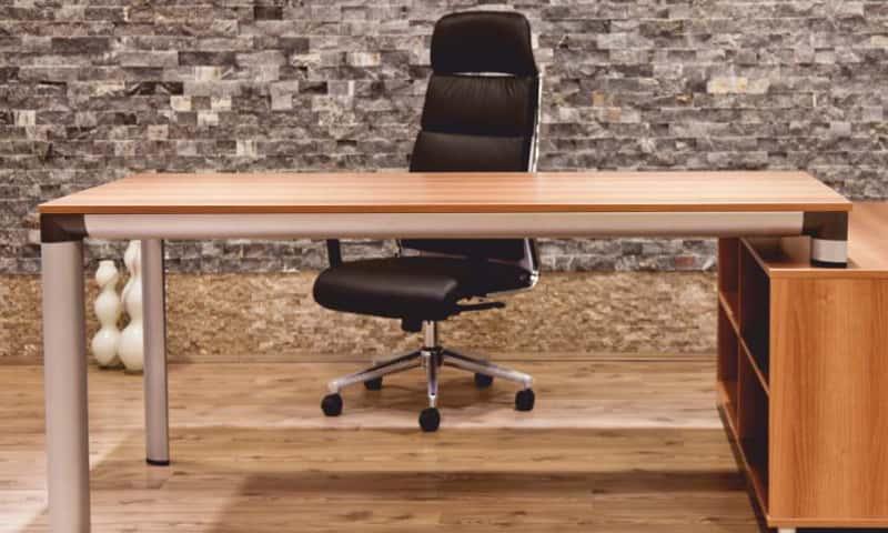 irodabútor asztal